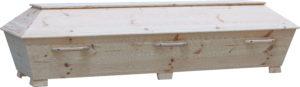 Rustik, enkel furukista. Denna kista är extra lång och bred.
